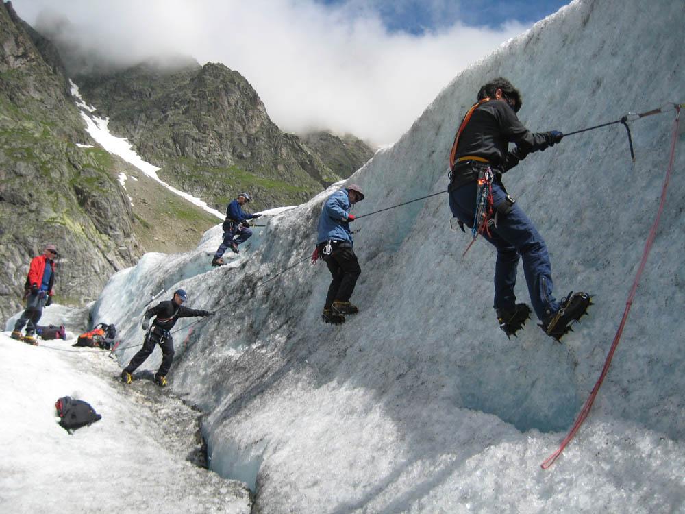 Geländerseil im Eis
